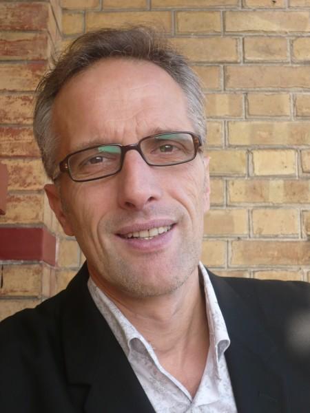Hervé Pauchon est un comédien, producteur de radio